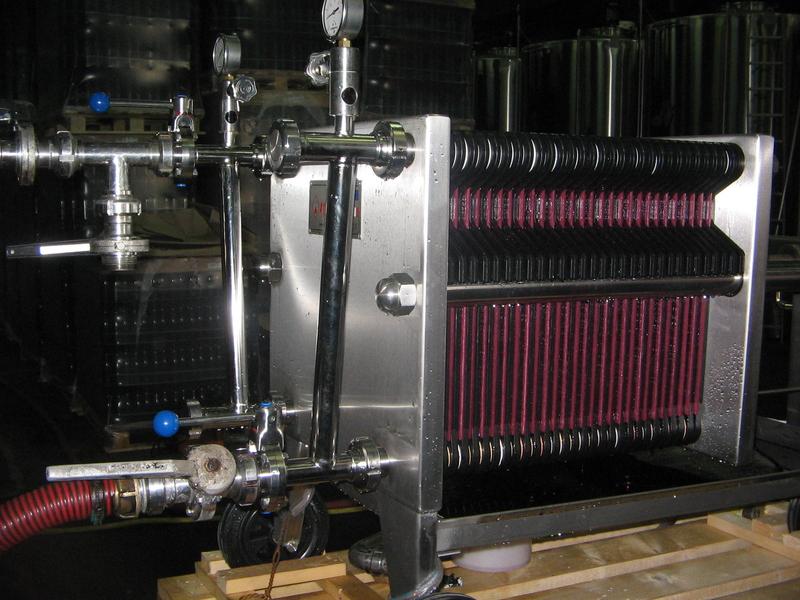 Vinification filtration